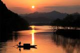 夕阳轻舟-月亮湾